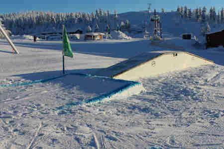 Alpint hopp i snowpark